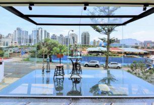 【台北內湖 | 餐廳】懸浮於空中的特色玻璃貨櫃屋✧阿達阿永咖啡ERC Cafe(內湖店)