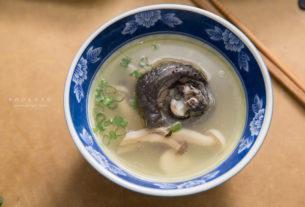 【麥仔寵妻食譜】把拔超有成就感料理:蒜頭菇菇雞湯